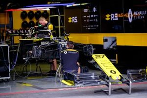 Renault F1 Team R.S.19 in the garage