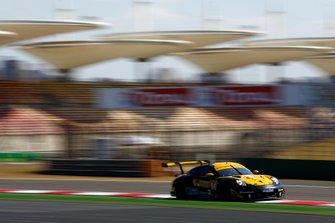 #56 Team Project 1 Porsche 911 RSR: Egidio Perfetti, Matteo Cairoli, David Heinemeier Hansson