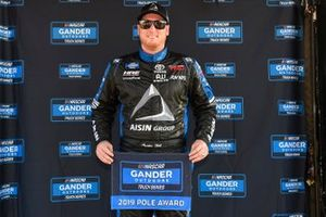 Ganador de la pole Austin Hill, Hattori Racing Enterprises, Toyota Tundra AISIN Group