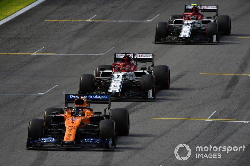 Sainz ya era 8º después de optar por una estratega a una sola parada en la que los neumáticos medios tenían que aguantar 41 vueltas