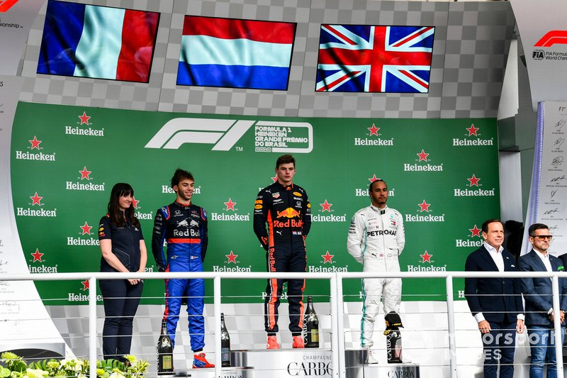 Pierre Gasly, Toro Rosso, Race winner Max Verstappen, Red Bull Racing and Lewis Hamilton, Mercedes AMG F1 on the podium