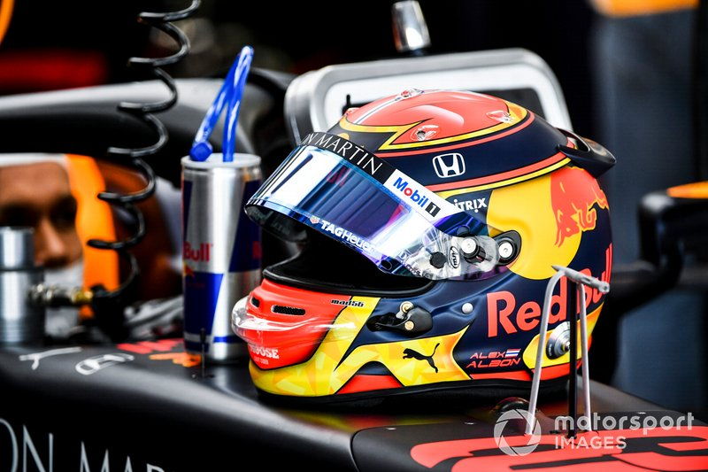 Casco de Alexander Albon, Red Bull Racing