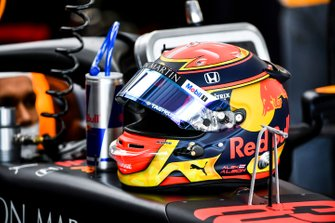 The helmet of Alexander Albon, Red Bull Racing
