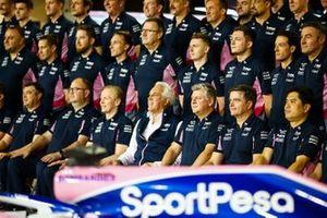 La foto de grupo de Racing Point 2019