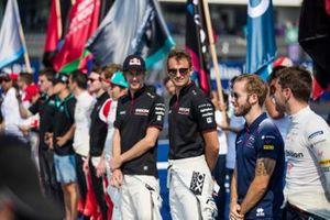 Brendon Hartley, Dragon Racing, Nico Müller, GEOX Dragon stand next to Sam Bird, Virgin Racing, Robin Frijns, Virgin Racing