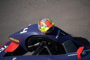 Il casco di Robin Frijns, Envision Virgin Racing