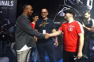 GT World Finals with Lewis Hamilton and Jon Noble