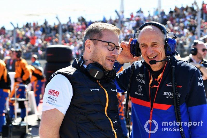 Andreas Seidl, Team Principal, McLaren, e Franz Tost, Team Principal, Toro Rosso, in griglia di partenza