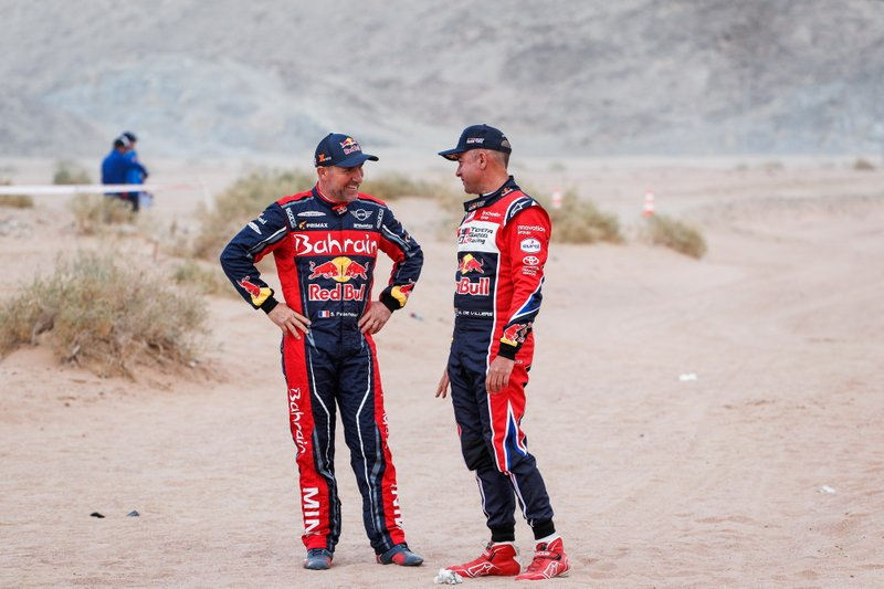 #302 JCW X-Raid Team: Stephane Peterhansel, #304 Toyota Gazoo Racing: Giniel De Villiers