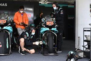 Petronas Yamaha SRT garage atmosphere