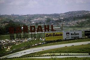Renn-Action beim GP Brasilien 1975 in Sao Paulo