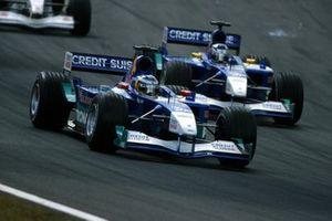 Nick Heidfeld, Sauber C20, voor Kimi Raikkonen