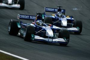 Nick Heidfeld, Sauber C20, devance son coéquipier Kimi Raikkonen