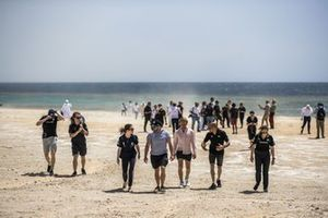 Catie Munnings, Andretti United Extreme E, Oliver Bennett, Hispano Suiza Xite Energy Team, Nico Rosberg, founder and CEO, Rosberg X Racing, Stephane Sarrazin, Veloce Racing, and Molly Taylor, Rosberg X Racing, on the beach clean
