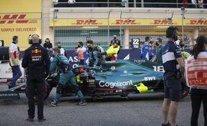 Lance Stroll, Aston Martin AMR21, on the grid