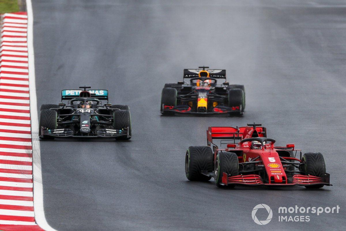 Sebastian Vettel, Ferrari SF1000, Lewis Hamilton, Mercedes F1 W11, e Max Verstappen, Red Bull Racing RB16