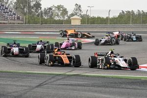 Christian Lundgaard, ART Grand Prix leads Ralph Boschung, Campos Racing, Louis Deletraz, Charouz Racing System, Pedro Piquet, Charouz Racing System and Artem Markelov, BWT HWA Racelab