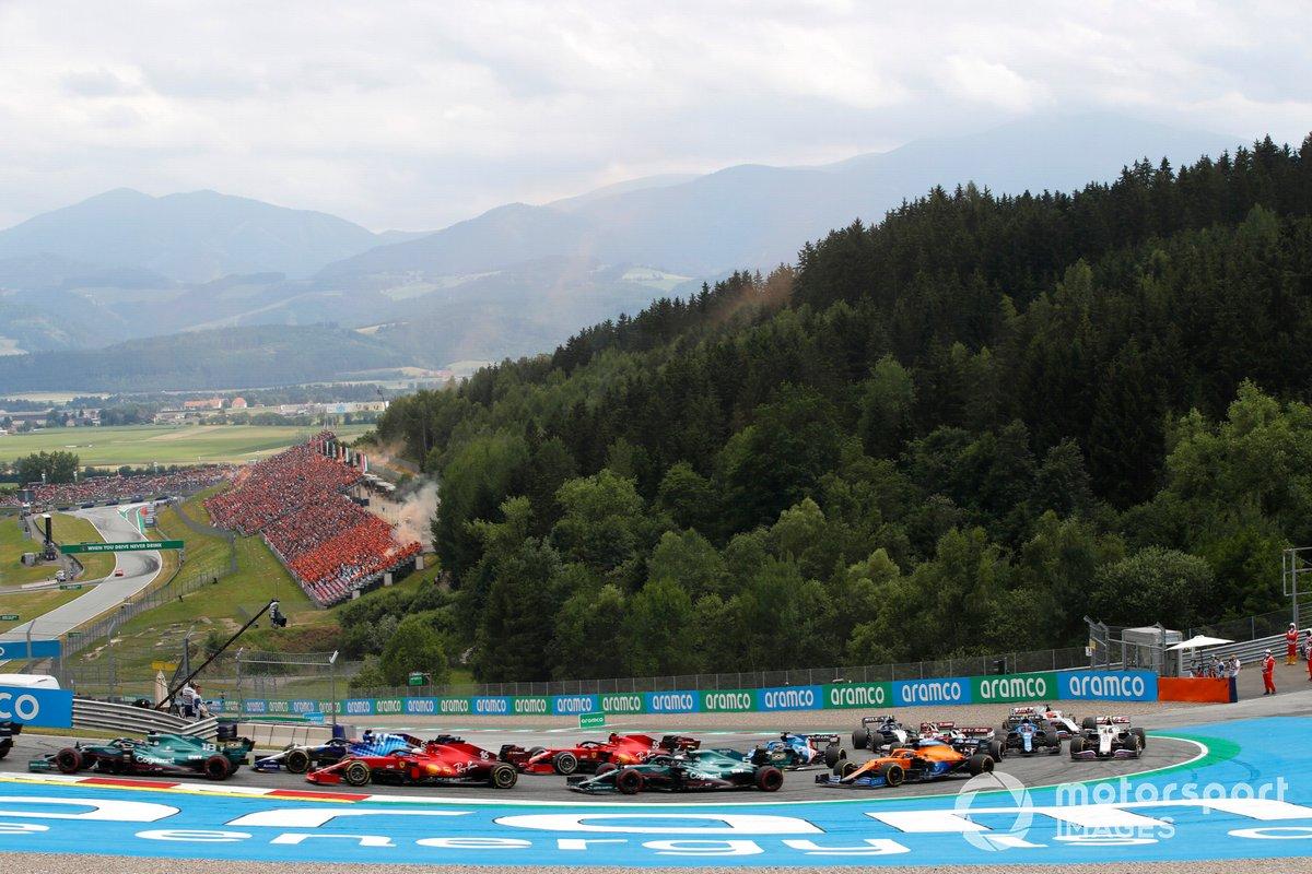 Lance Stroll, Aston Martin AMR21, George Russell, Williams FW43B, Charles Leclerc, Ferrari SF21, Sebastian Vettel, Aston Martin AMR21, Carlos Sainz Jr., Ferrari SF21
