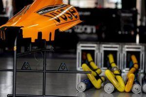 Patricio O'Ward, Arrow McLaren SP Chevrolet, Felix Rosenqvist, Arrow McLaren SP Chevrolet garage