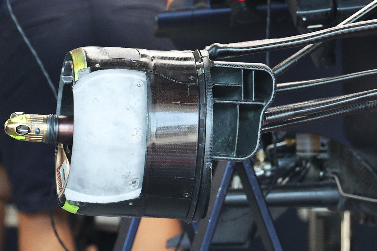 Detalle del conducto de freno del Red Bull Racing RB16B