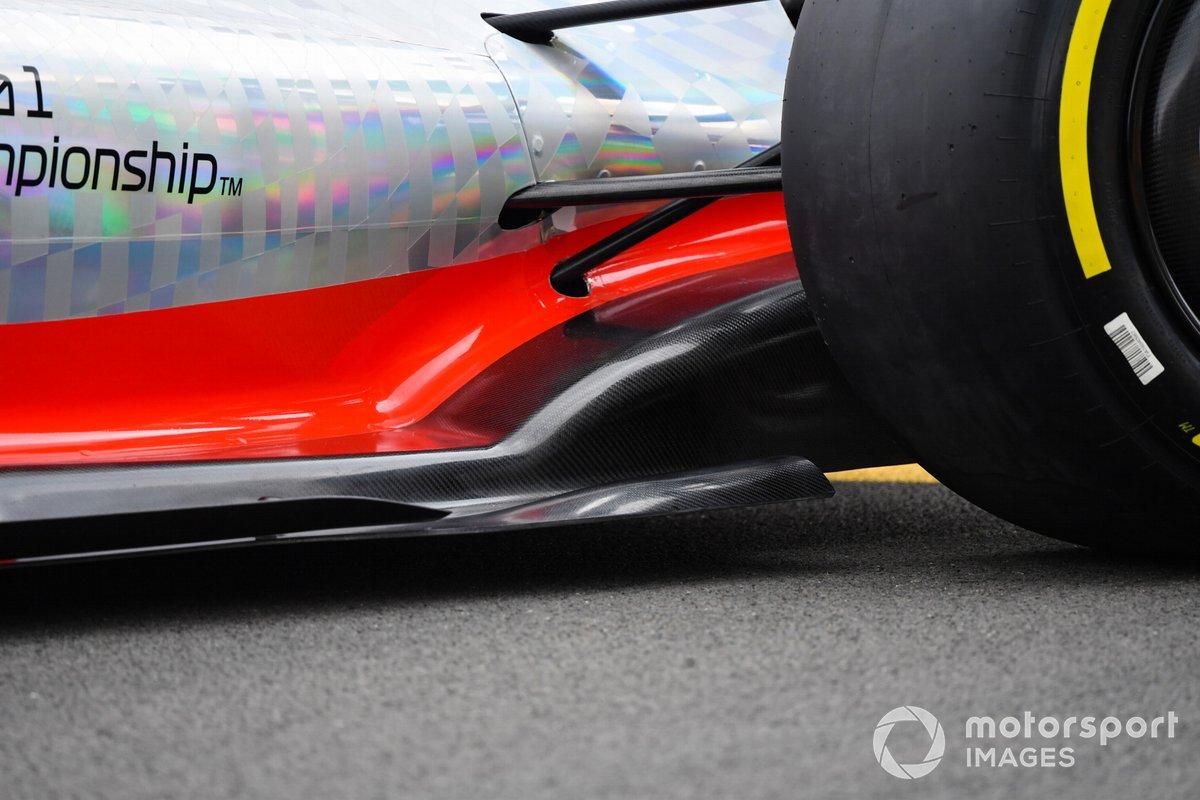 Detalle del Sidepod y del piso del coche de Fórmula 1 2022