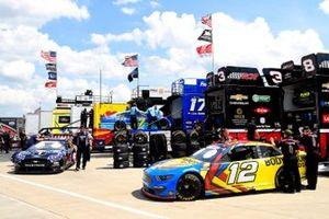 Ryan Blaney, Team Penske, Ford Mustang BodyArmor EDGE, Kevin Harvick, Stewart-Haas Racing, Ford Mustang Mobil 1