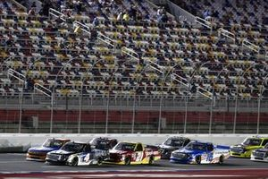 John Hunter Nemechek, Kyle Busch Motorsports, Toyota Tundra Mobil 1, Zane Smith, GMS Racing, Chevrolet Silverado Good Sam