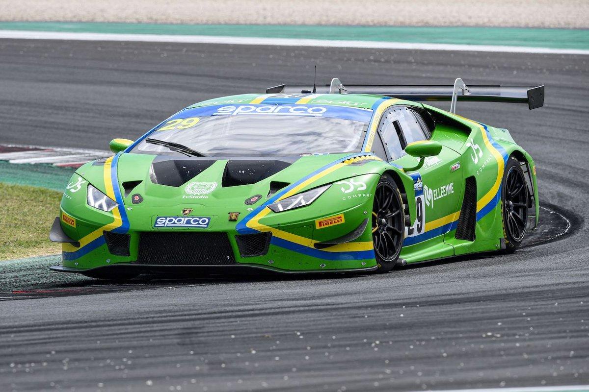 #29 VSR Vincenzo Sospiri Racing, Lamborghini Huracán GT3 Evo: Simone Iacone, Sascha Tempesta