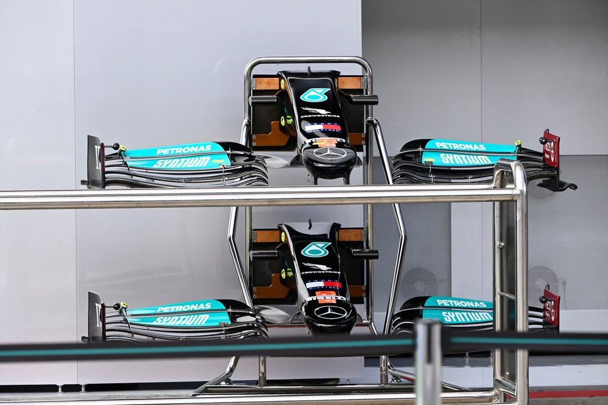 Detalle del frente y del alerón delantero del Mercedes W12