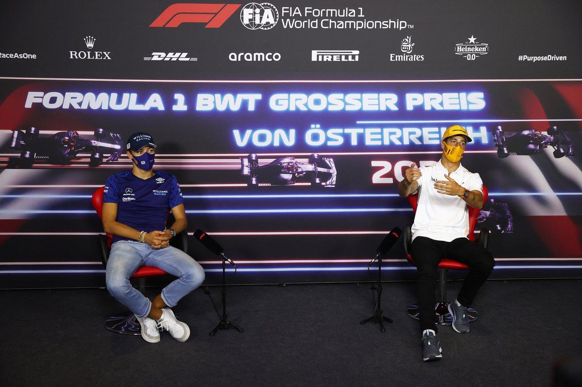George Russell, Williams Daniel Ricciardo, McLaren durante la conferencia de prensa