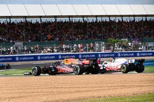 Sergio Perez, Red Bull Racing RB16B, Nikita Mazepin, Haas VF-21