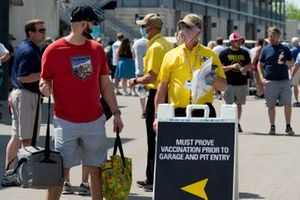 Safety Patrol member answers fan question regarding vaccine status.