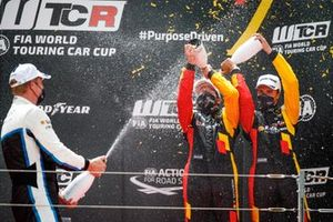 Podium: Race winner Frédéric Vervisch, Comtoyou Team Audi Sport Audi RS 3 LMS, second place Thed Björk, Cyan Performance Lynk & Co Lynk & Co 03 TCR, third place Gilles Magnus, Comtoyou Team Audi Sport Audi RS 3 LMS