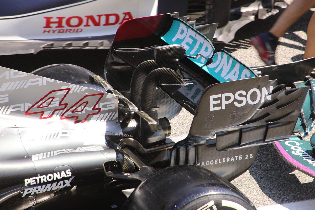 Заднее антикрыло Mercedes W12