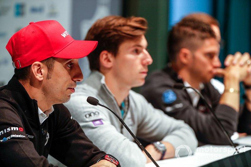 Sébastien Buemi, Nissan e.Dams, lors de la conférence de presse avec Alex Lynn, Panasonic Jaguar Racing, Edoardo Mortara, Venturi Formula E