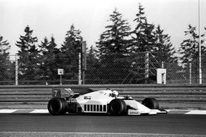 Il vincitore della gara Alain Prost, McLaren MP4/2