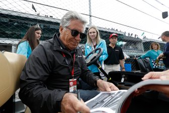 Mario Andretti and fans