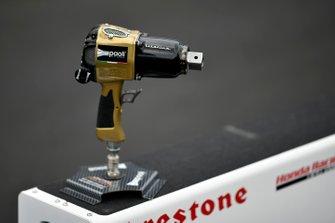Trofeo de pistola de ruedas Paoli para la competición de parada en boxes
