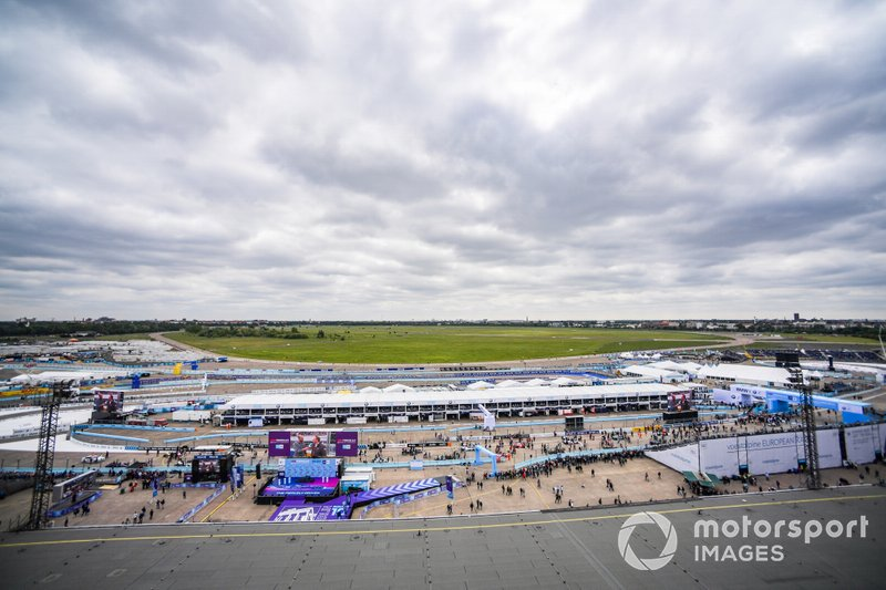 Une vue panoramique du circuit