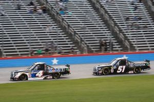 Todd Gilliland, Kyle Busch Motorsports, Toyota Tundra Mobil 1, Greg Biffle, Kyle Busch Motorsports, Toyota Tundra Toyota