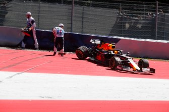 Max Verstappen, Red Bull Racing RB15 after the crash