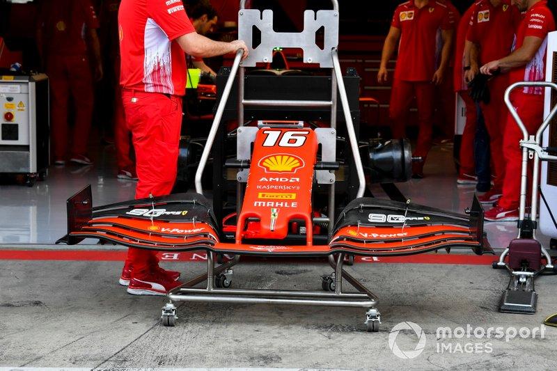 Ferrari SF90 ön kanat