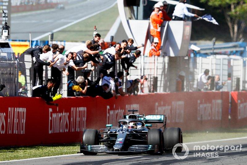 2019: Lewis Hamilton, Mercedes-AMG F1 W10