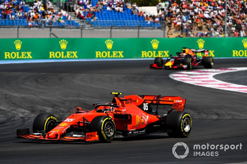 Charles Leclerc, Ferrari SF90 leads Max Verstappen, Red Bull Racing RB15