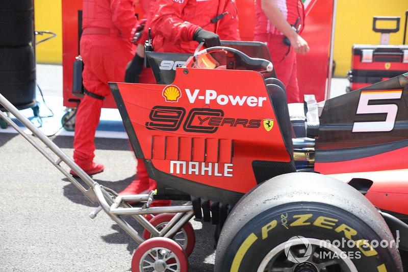 Detalle del alerón trasero del Ferrari SF90