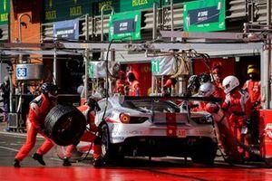 #70 MR Racing Ferrari 488 GTE: Motoaki Ishikawa, Olivier Beretta, Edward Cheever