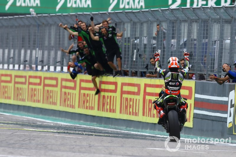 Race winner Jonathan Rea, Kawasaki Racing Team