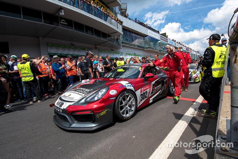 #302 Aimpoint Racing by Rothfuss Best Gabion Porsche Cayman GT4 Clubsport: Axel Friedhoff, Max Friedhoff, Jan Kasperlik, Andres Serrano