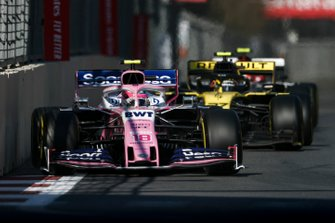 Lance Stroll, Racing Point RP19, leads Nico Hulkenberg, Renault R.S. 19