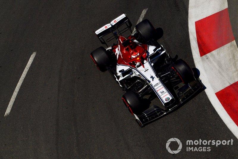 Raikkonen terhadang mobil lain di lap kualifikasi terakhirnya
